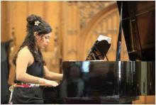 Késia Decoté – piano